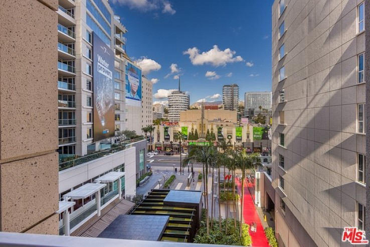 Beautiful 2bed 3bath Home at the W