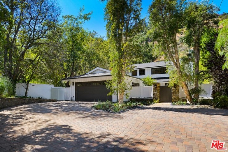 3 Bed Home for Sale in Beverly Hills, California