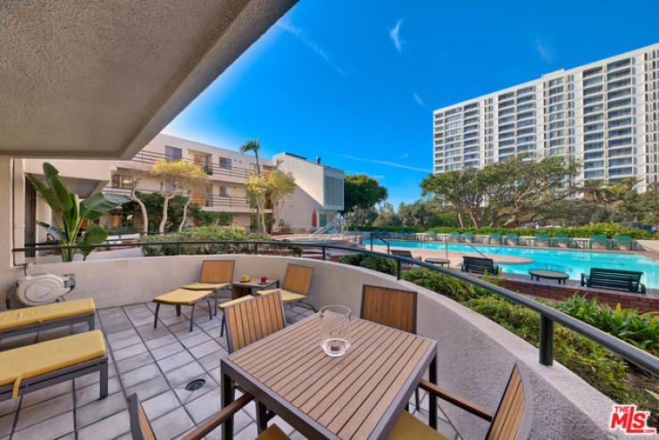 2 Bed Home for Sale in Santa Monica, California