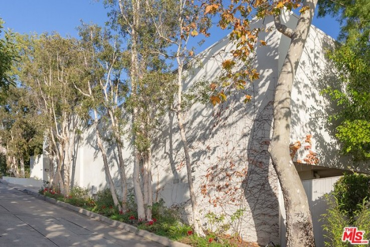 4 Bed Home for Sale in Beverly Hills, California