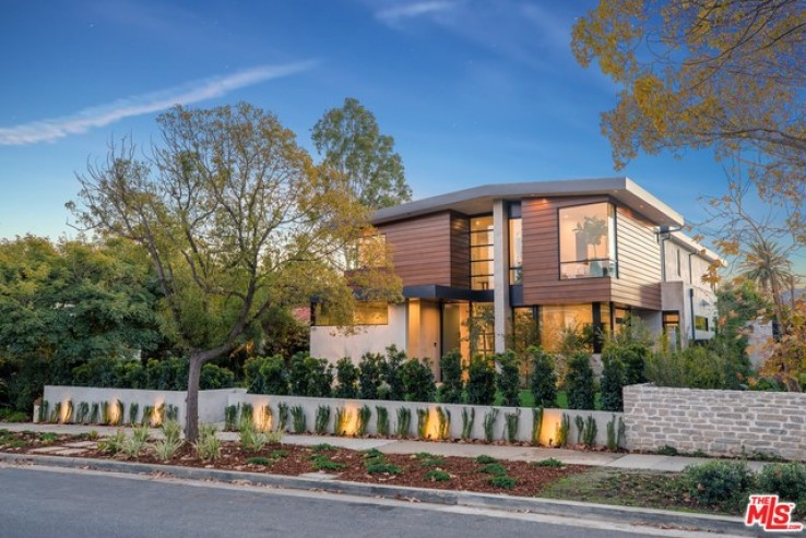 6 Bed Home for Sale in Santa Monica, California