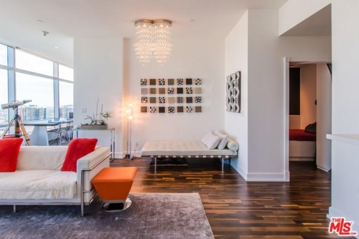 Luxury 37th Floor Ritz Carlton Residence For Sale