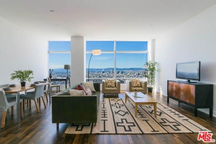 Stunning Views 39th Floor Ritz Carlton Residences