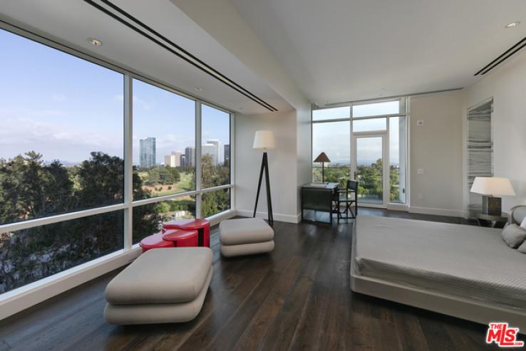 Beverly West Luxury Highrise