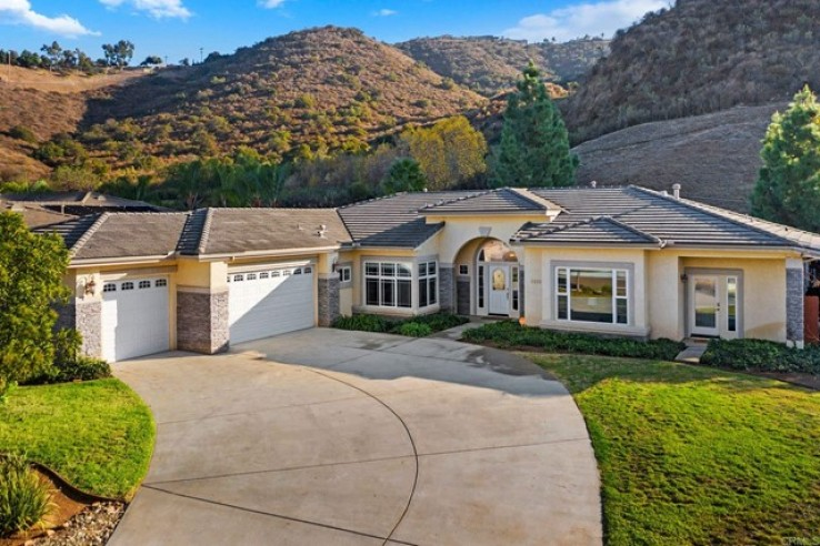 5 Bed Home for Sale in Santee, California