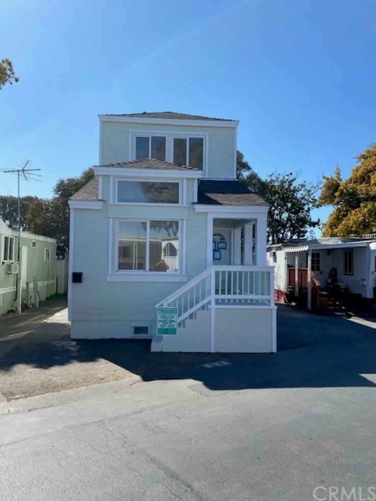 3 Bed Home for Sale in Redwood City, California