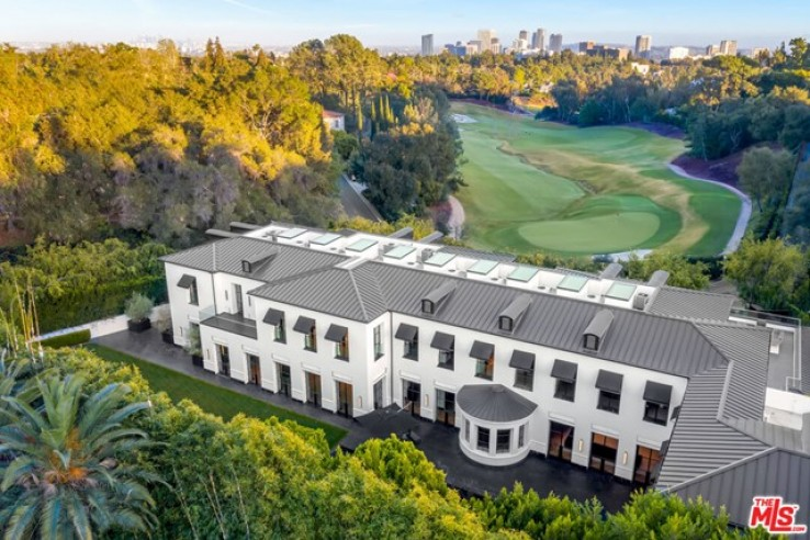 Residential Home in Bel Air - Holmby Hills