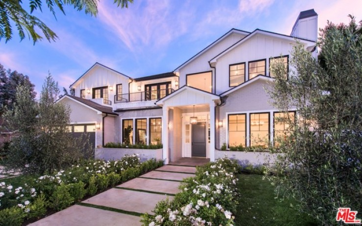6 Bed Home for Sale in Pacific Palisades, California