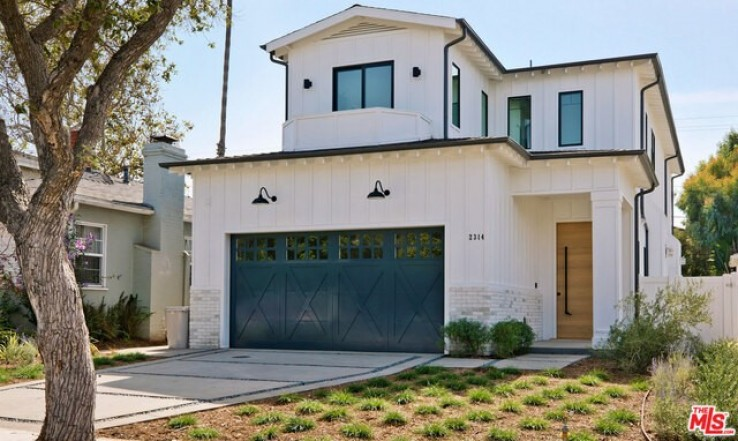 5 Bed Home for Sale in Santa Monica, California