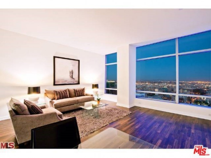 Ritz Carlton Luxury Condo for Rent