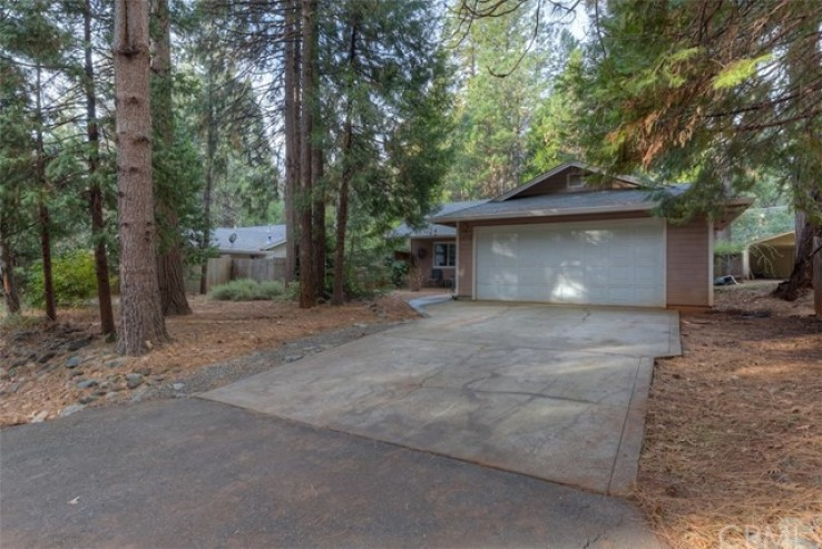 2 Bed Home for Sale in Magalia, California