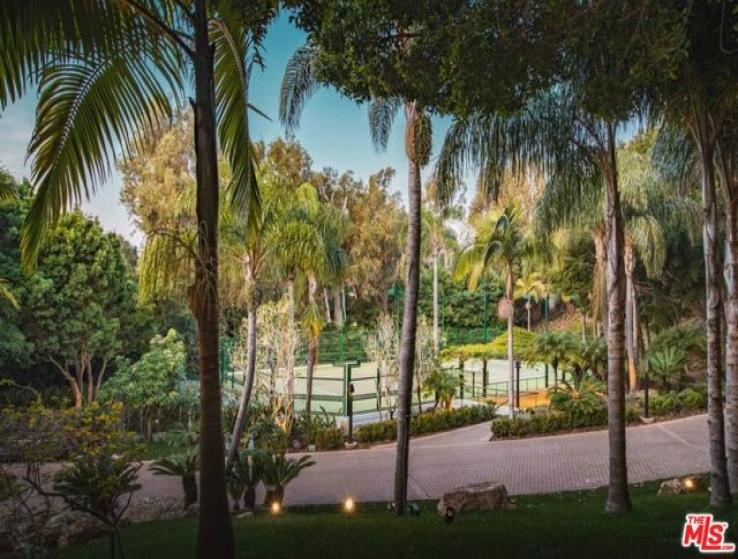 12 Bed Home for Sale in Malibu, California