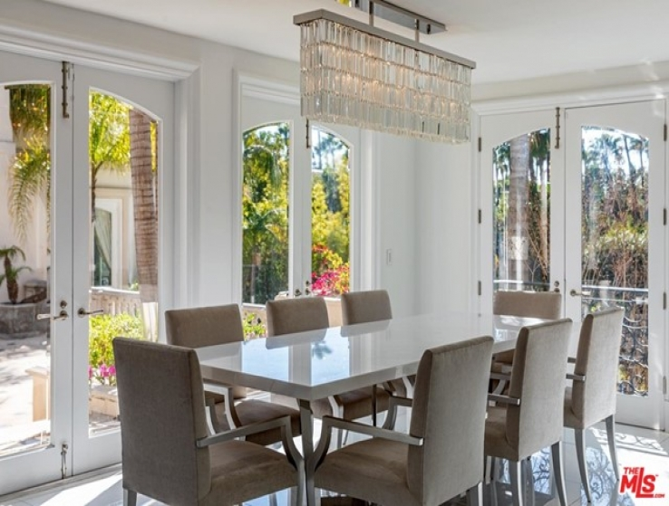 8 Bed Home for Sale in Los Angeles, California