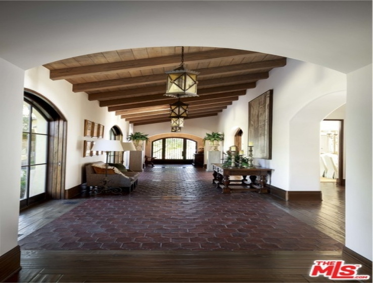 15 Bed Home for Sale in Goleta, California