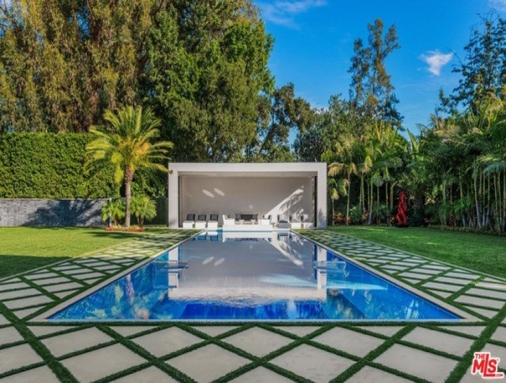 7 Bed Home for Sale in Beverly Hills, California