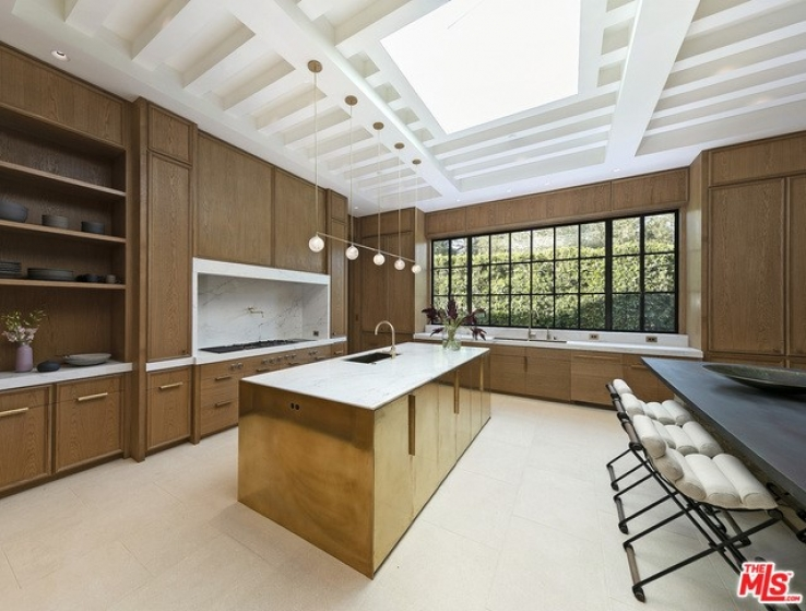 7 Bed Home for Sale in Los Angeles, California