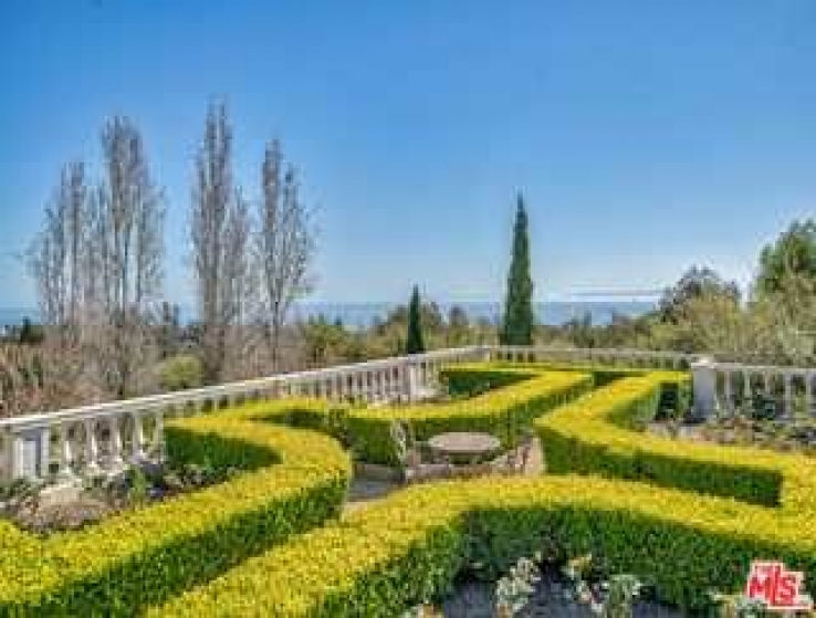 11 Bed Home for Sale in Summerland, California