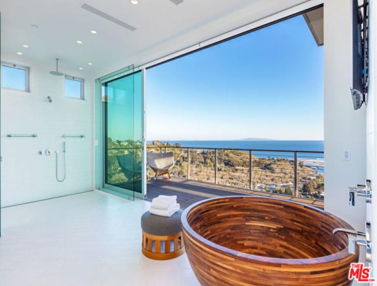 7 Bed Home for Sale in Malibu, California